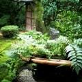 桂春院:侘の庭と梅軒門