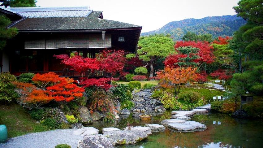 織寶苑庭園の紅葉