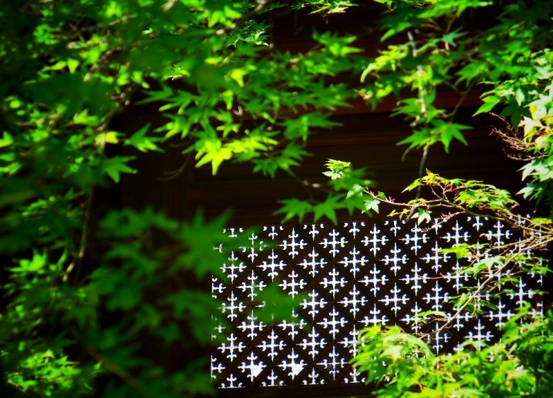光明寺:勅使門の透し格子