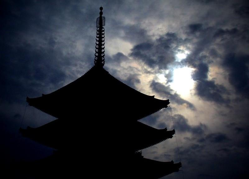 興福寺 五重塔シルエット