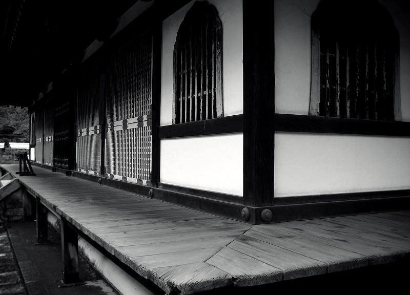 泉涌寺 舎利殿にて